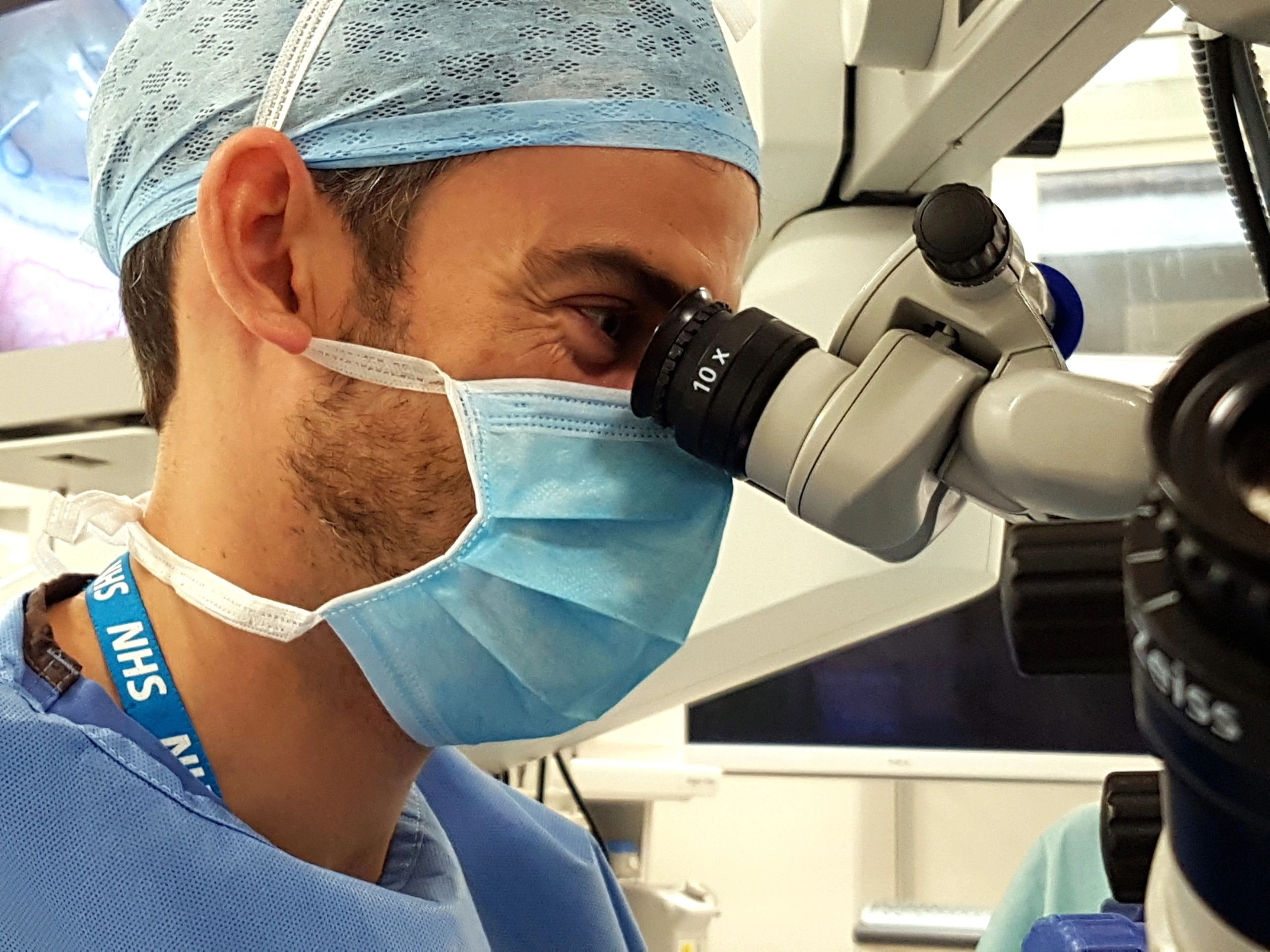 Mr Dan Lindfield, Guildford Eye Care Private Cataract Surgery