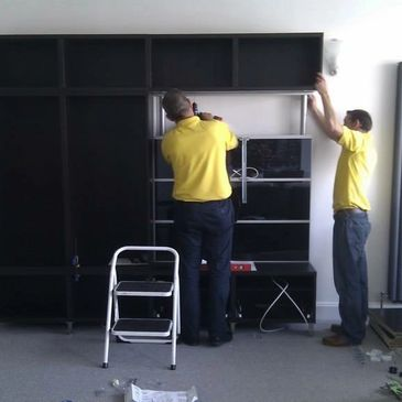 Andy and I assemble a Besta tv unit