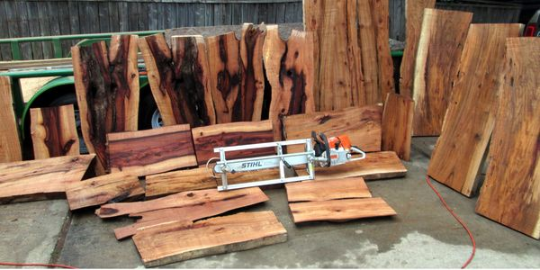 Slabs cut with Chainsaw mill