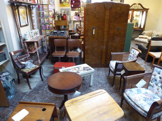 Sweet Tee's Shop, Antique & Vintage Furniture ... - Consignment Furniture In Portland, OR Brooklyn Mall