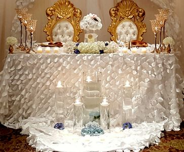 Sweetheart Table, Area Decor