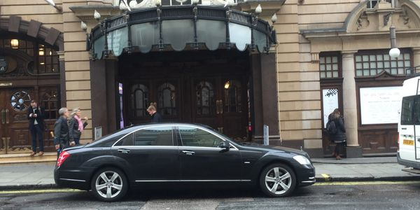 Chauffeur London trips in Mercedes, BMW or Range Rover