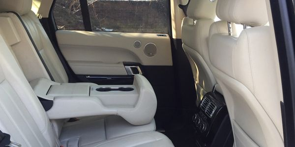 Airport Transfer Rayleigh Essex Chauffeur Service to Heathrow, Gatwick, Stansted,  London City.