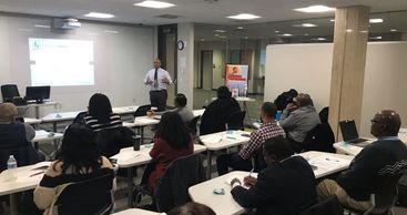 Dr. Burl Randolph, Jr. presenting to the Black Professionals in Higher Education of the QC, Dec 2019