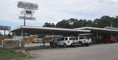 1420 Hwy. 19 N. Thomaston, GA 30286 706-648-3330  https://www.facebook.com/Piggie-Park-Drive-In-1267