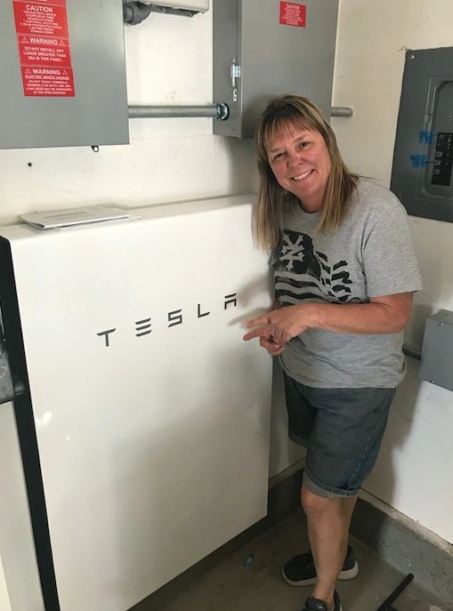 Tesla Powerwall Review >> Solar Power Tesla Powerwall Provide Electricity During Outage