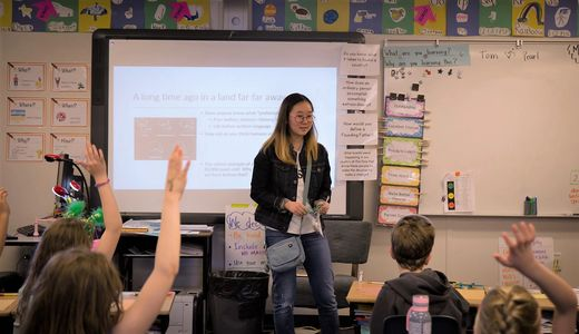 Annabelle teaches a Pando Presentation to students in a third grade class.