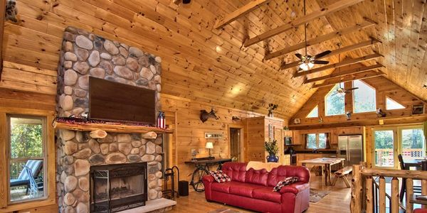 River Lodge - 6 bedroom log cabin. Perfect for vacation rental and Pocono bachelor parties