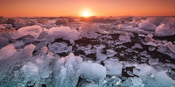 Image of ice floes.