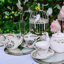 vintage china & vintage prop hire herts beds bucks cambs london essesx vintage crockery hire