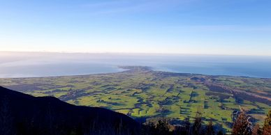 There are many stunning hikes in, around and looking over Kaikoura. We can help you plan your stay