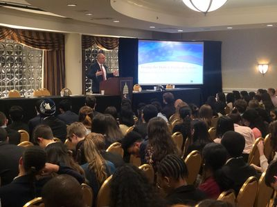 Mike Murphy addresses the Junior State of America Winter Congress