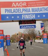 Pete Wirs crossing the 2018 AACR Philadelphia Marathon
