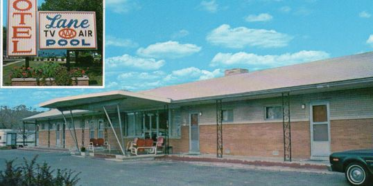 Postcard image of original Lane's Motel building