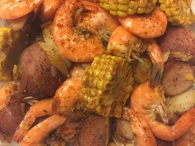 Tondee's Tavern Low Country Boil Savannah Georgia