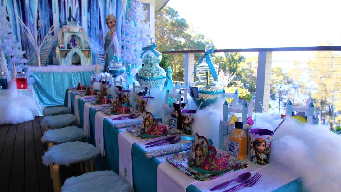 Frozen party by Pop the Balloon! Children's Parties & Events