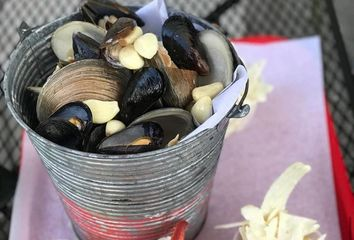 Bucket of steamers! mussels and clams at the lazy lobster in milford