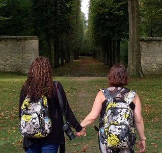 Backpacking Besties in Versailles