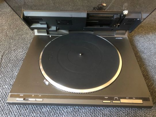 Technics SL-Q1 Linear Tracking Turntable