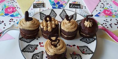 mini chocolate espresso layer cakes
