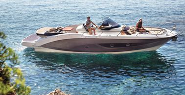 Key Largo - 34 Inboard Size: 11m  Capacity: 12 guests