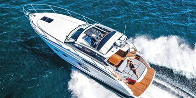 Princess - V 39 Size: 13m  Capacity: 12 guests