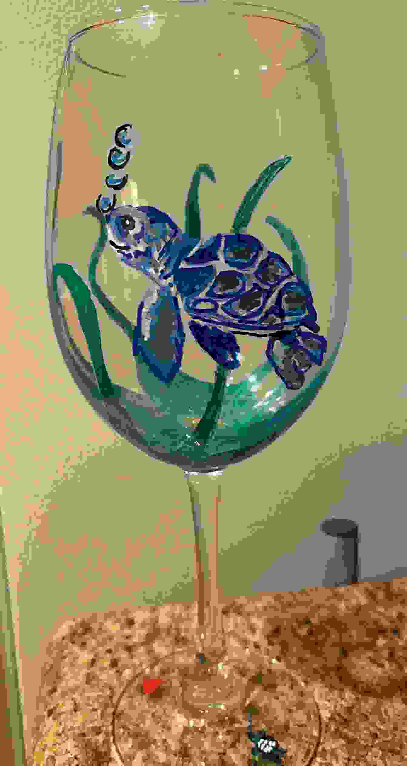 HAND-PAINTED WINE GLASS
