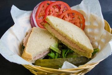 Liverwurst Sandwich, choice of bread, lettuce, tomato, onions and pickles