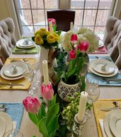 #tablescape #tablesetting #tabledsign #interiordesign #table #diningroom #placesetting #Easter