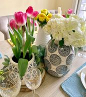 #flowerdesign #freshflowers #tablesetting #tablescape #tabledesign #placesetting #spring #easter