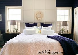 #bedroom #bedroomdesign #blueandwhitedesign