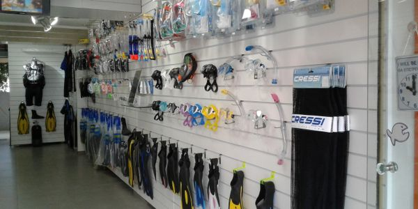 Q Divers Retail Shop