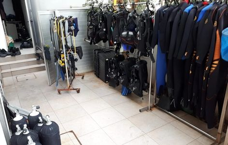 Q Divers equipment washing area