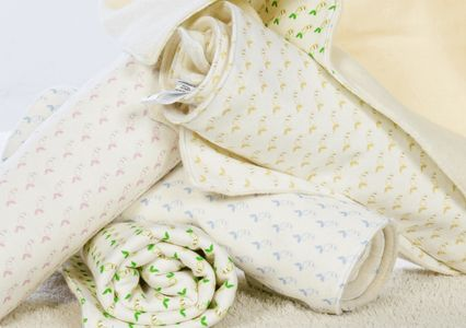 Organic cotton and bamboo blankets with signature little beans fabric