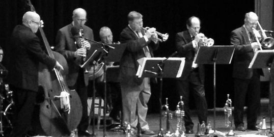 Ed Wise and his Jazz band performing.