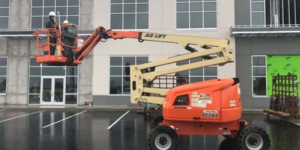 Articulating Boom Lift Training in Kelowna, BC