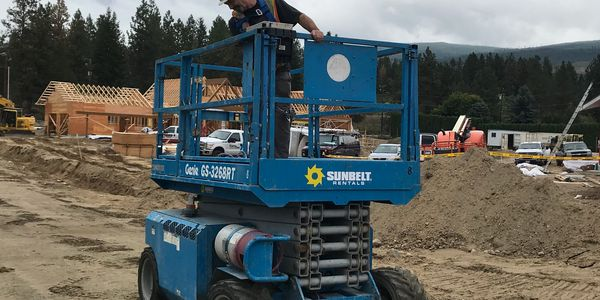 Rough Terrain Scissor Lift Training In Kelowna, BC