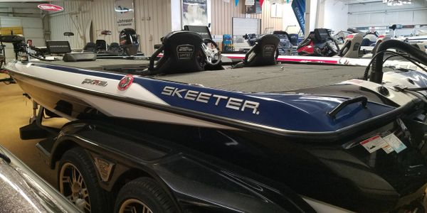 Skeeter boats FXR 20 LE Yamaha outboards Bass boat