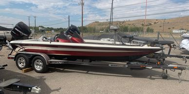 2009 Legend Boats Alpha 211 Red and White Mercury Optimax 250 Pro XS