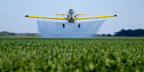 Photo of Air Tractor sprayer.
