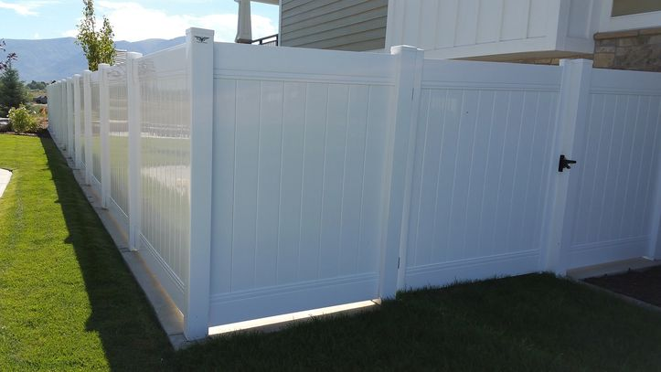 Utah's number 1 selling Privacy Vinyl Fence