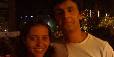Sonu Nigam in a party with Yashashree Bhave (Yashi)