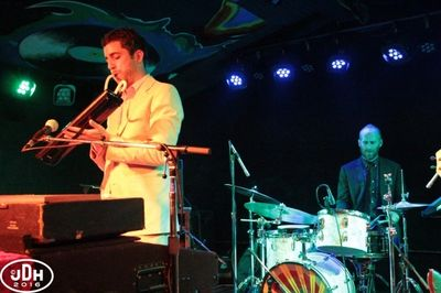 El Duo opens up for the Monophonics 4/15/16 at Moe's Alley in Santa Cruz, CA