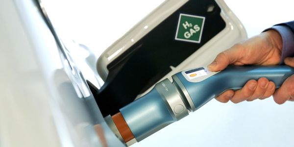 APEA Innovation Award winning hydrogen refuelling nozzle, fueling a hydrogen fuel cell car.