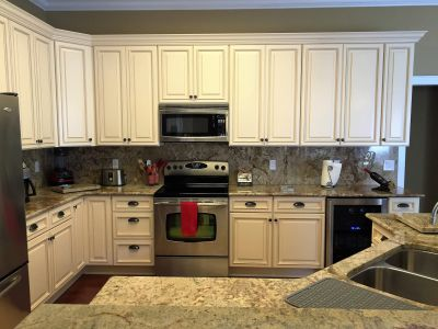 This beautiful Kitchen located off Bayshore Blvd in Tampa, features custom 14-inch depth uppers.