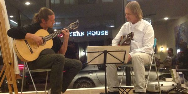 Berto studying in Miami with Grammy-Award winning recording artist David Russell. ( Classical Guitar