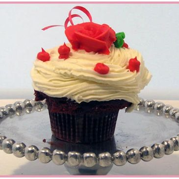 cupcakes, gluten free, sculpted cakes, birthday cakes, wedding cakes sweet tooth boston, bakery