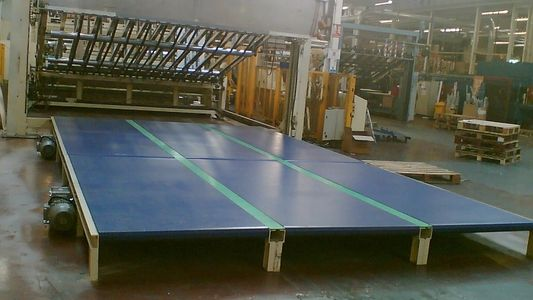 large modular manrider conveyor in the packaging industry