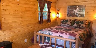 Country cabin rental located in Central Washington. Queen bed with Kitchenette and private 1/2 bath.