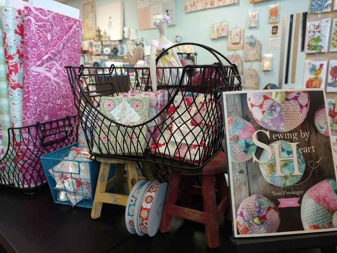 Sew Crazy Fabric & Quilting Boutique - Fabric Quilt Shop, Gift Shop : quilt shops austin tx - Adamdwight.com